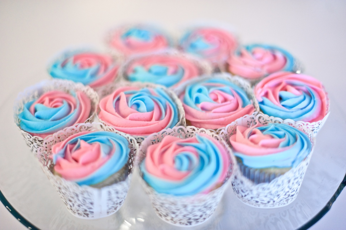 cupcakes it's a girl!