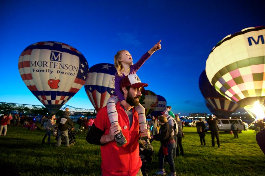2 Kentucky Derby Festival Balloon Glimmer