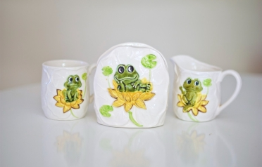 vintage Sears Roebuck Frog Kitchen Decor